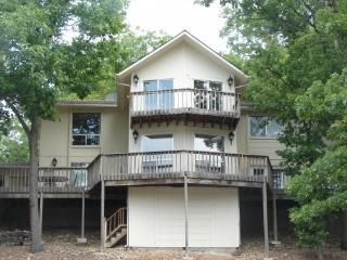 Osage Beach Vacation Home 5 Br., 4 bath
