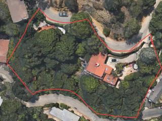 Unusual compound in Hollywood Hills, Los Angeles