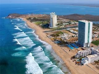 ~~~!!! Spectacular Luxury Oceanfront Condo !!!!~~, Mazatlan