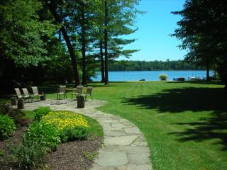 **NOW UPGRADED*Upper Scott Lake Retreat-Lakefront Pvt Beach w-dock*BOOK SUMMER**