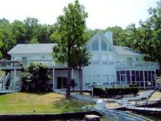 Chinquapin Lake of the Ozarks Family Vacation Home