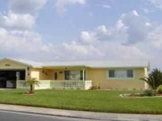 AVAILABLE ALL DATES!! 2/2/2! NEAR BEACHES/GULF!, New Port Richey