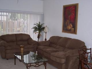 Beautiful Condo Near Sanibel and Fort Myers Beach