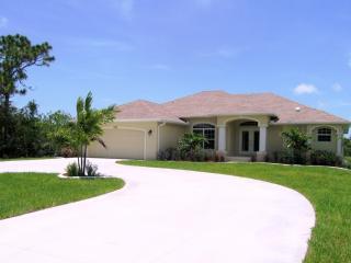 Waterfront Gulf Coast Villa - Pure Luxury!, Rotonda West