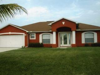 Come and enjoy our waterfront home!!!!, Cape Coral