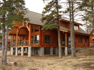 Brand New Luxury Lake Superior Log Home!, Schroeder