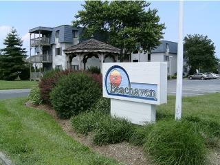 Rehoboth Beach 2 bed 2 bath condo with pool