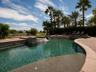 Gorgeous Estate on golf course with Amazing Pool!, La Quinta