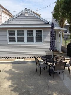 "1.5 Blocks To Ocean; ""Extra Clean"" Cottage, Seaside Park"