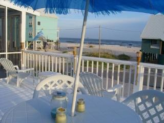 Lucky Dog Beach Cottage. Gulf Coast pet friendly.