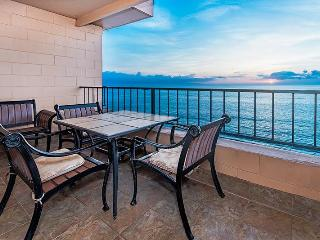 Penthouse Corner- Absolutely Oceanfront-Upgraded, Lahaina