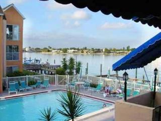 BEAUTIFUL CONDO ON THE SCENIC BOCA CIEGA BAY !, Saint Pete Beach