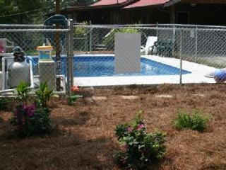 Private heated pool/12 B/R, 9 Bath