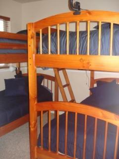 4th Bedroom - Bunk Beds, 4 Twin Beds