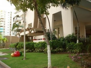 Beautiful Puerto Rico Condo in Tourist Area, Isla Verde
