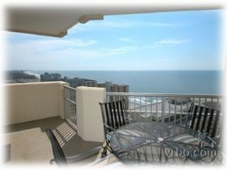 Beautiful Penthouse Level Royale Palms Condoin Myrtle Beach