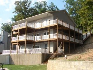 Large Lakefront Vacation Home, Lake of the Ozarks