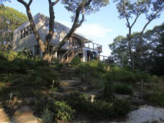 Secluded Contemporary Tree House, Provincetown