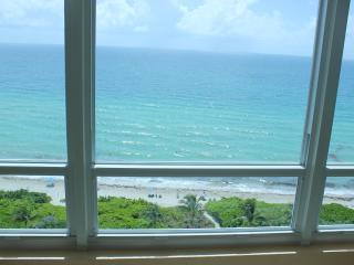 Fantastic Beach front view in Miami Beach