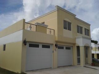 Luxury Beautiful House with Spa and WiFi - Joyuda, Cabo Rojo
