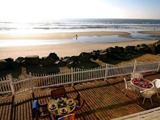 Beautiful Beach Front Vacation Rental Unit - P718-, Oceanside