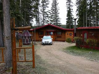 Lakefront Home at Setting Lake   375,000 Cdn, Thompson