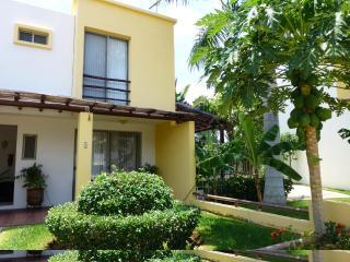 Bucerias, Home, A/C, Wi-Fi, Private Yard, Pool,