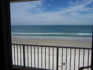 Oceanfront condo,private beach,Daytona