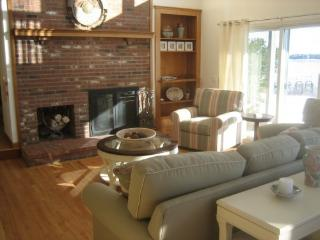 Stunning 4 Bedroom Home on Town Cove, Orleans,Ma