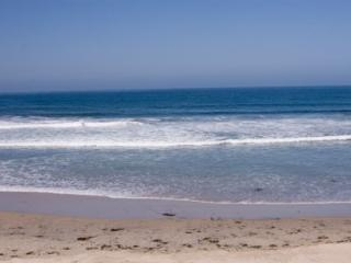 Direct Oceanfront 2 Bedroom 2 Bath Condo #208, Imperial Beach