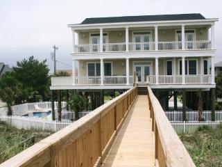 Newly Decorated Oceanfront  7 BR w/  Pool, Hot Tub & Elevator, Murrells Inlet