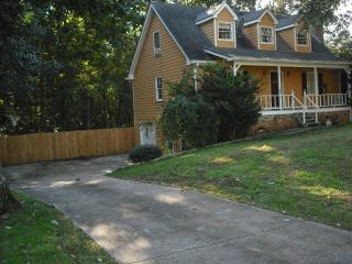Perfect for Large families,WI-FI,7 TVs,BBQ,I-85