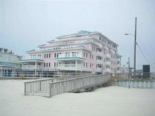BEACH FRONT LUXURY CONDO - AWESOME VIEW, Wildwood Crest