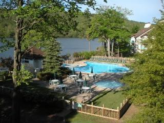 Breathtaking view of lake and pool from balcony, Jim Thorpe