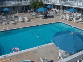1 BEDROOM CONDO-52 SECONDS TO OCEAN BY FOOT!!!!!!!, Brigantine