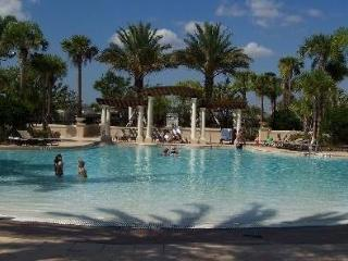 Cheap Windsor Hills 3 Bedroom Condo with Pool and Balcony - From $299 per week, Kissimmee
