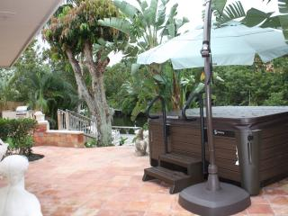 Casa Bella, Waterfont Oasis - Aquatic Therapy Spa, Palm Beach Gardens