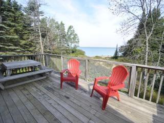 Traverse City Lake Michigan Waterfront priv, Beach - Sunday to Sunday