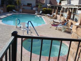 FURNISHED TOWNHOUSE- PRIME SCOTTSDALE LOCATION, Scottsdale