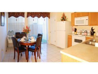 Full Kitchen & Dinning Area