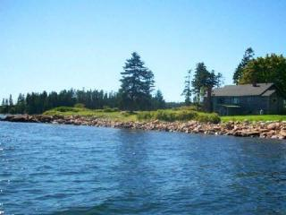 Oceanfront cottage on Schoodic Point, Winter Harbor