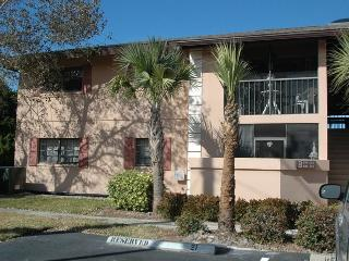 Charming 2B-2B Condo in 55+ gated community, Port Charlotte