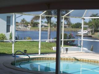 Beautiful View Golf Access Newly Renovated, Cape Coral