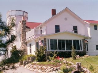 Award-Winning SunnySide Tower Bed & Breakfast Inn, Port Clinton