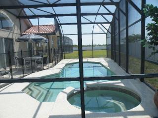 Luxury 5br/3ba Villa, Pool/spa, Wifi, games, BBQ, Davenport
