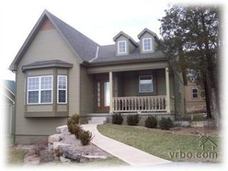 Extravagant Retreat-located in Branson Canyon!