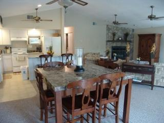 Beautiful 3 BR/3 BA Waterfront Home, Crystal River