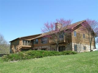 Rental home Shenandoah river. Secluded 160 acres