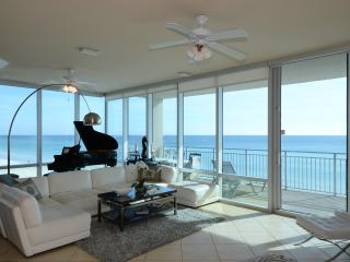 SeaBliss~Luxury, Gulf Front Condo~On the Beach!, Destin