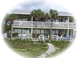 "Gulf Beach Front Condo! ""Shack on the Sand"", Indian Rocks Beach"